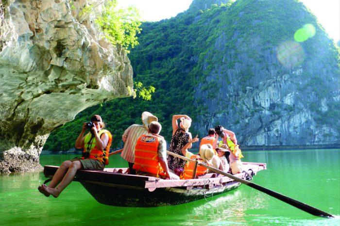 Tour Hạ Long 2 ngày 1 đêm (ngủ tàu)