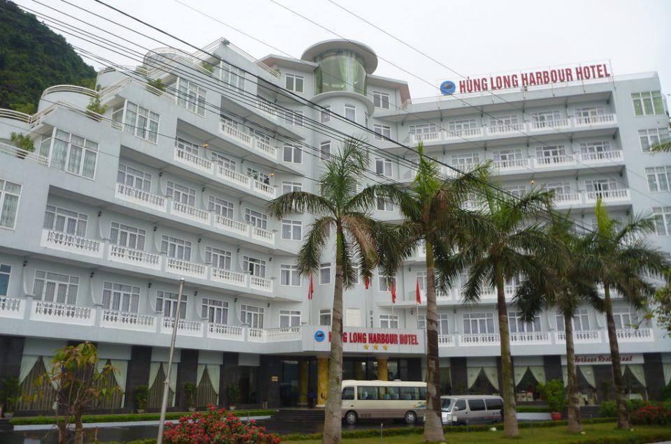 Top 11 khách sạn Cát Bà gần biển giá chỉ từ 299k