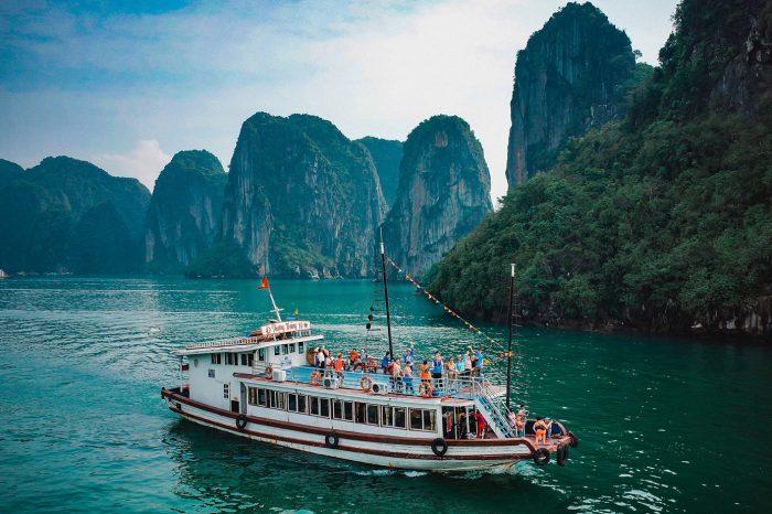 Tour du lịch Vịnh Hạ Long – Hạ Long Park 2 ngày 1 đêm
